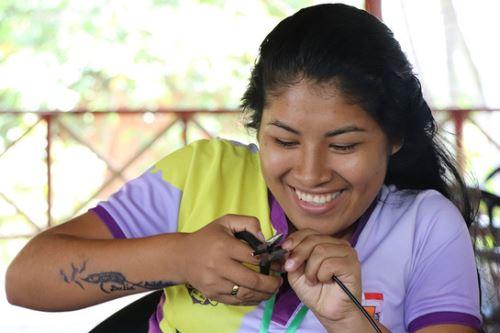 Con el uso de tecnologías limpias, las pobladoras de Mazán (Loreto) aportarán a la reducción de la contaminación ambiental.