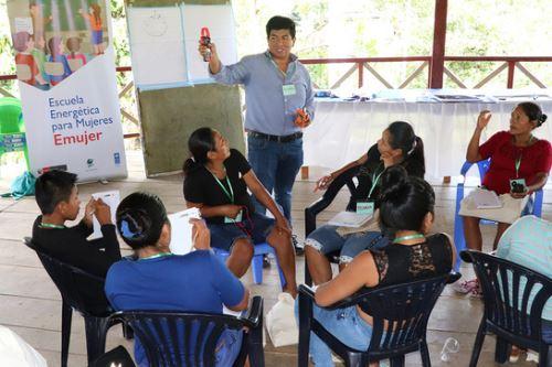 Pobladoras de Mazán culminaron el módulo I 'Buenas prácticas para el uso de tecnologías limpias'.