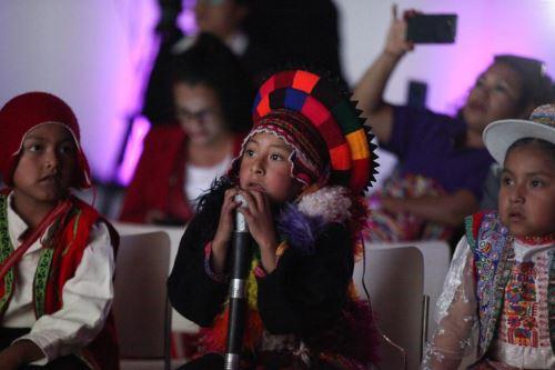 Los ganadores del concurso escolar Los Abuelos Ahora llegaron a la ciudad de Lima para ser premiados durante la VIII Semana de la Inclusión Social.