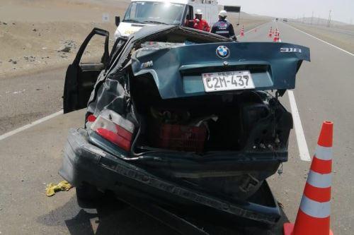 Dos fallecidos y dos heridos dejó el accidente ocurrido hoy en la provincia de Huarmey, región Áncash.