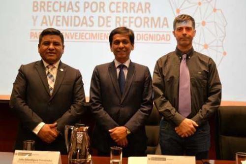 El titular del Midis, Jorge Meléndez, clausuró el foro 'Brechas por cerrar y avenidas de reforma para un envejecimiento con dignidad'.