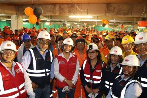 Operativo de orientación en Chiclayo se efectuó en zona donde una constructura edifica un centro comercial.