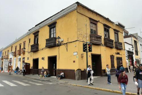 Así luce en la actualidad el antiguo Bar Americano. Aquí se reunía la Bohemia de Trujillo. Foto: Luis Puell