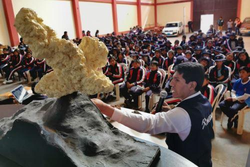 El Ingemmet invitó a las autoridades a consultar el mapa de peligros del volcán Sabancaya, región Arequipa.