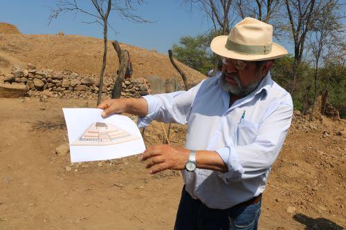 El arqueólogo Walter Alva destacó que el templo ceremonial descubierto en la Huaca El Toro es la única estructura megalítica que existe en la región Lambayeque.