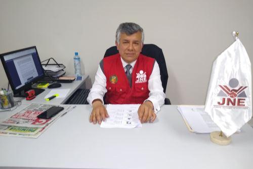 El presidente del JEE de Huancayo, Timoteo Cristóbal, dijo que luego de evaluar la legalidad de dos listas de candidaturas al Congreso presentadas por un mismo partido se emitirá un pronunciamiento.
