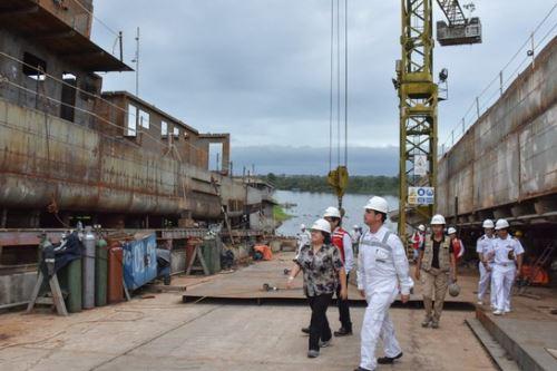 La titular del Midis, Ariela Luna, supervisó los avances de la construcción de la PIAS Yavarí en la sede del Servicio Industrial de La Marina (Sima) en Iquitos.
