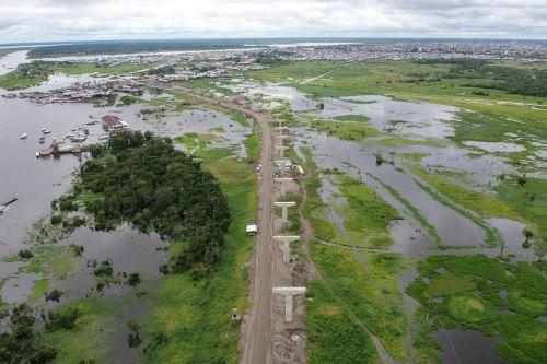 El Ministerio de Transportes y Comunicaciones impulsa la integración de las regiones de la Amazonía.