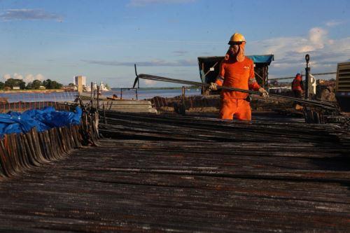 En la instalación de cada uno de los cimientos del puente Nanay, región Loreto, se han empleado 500 toneladas de acero.