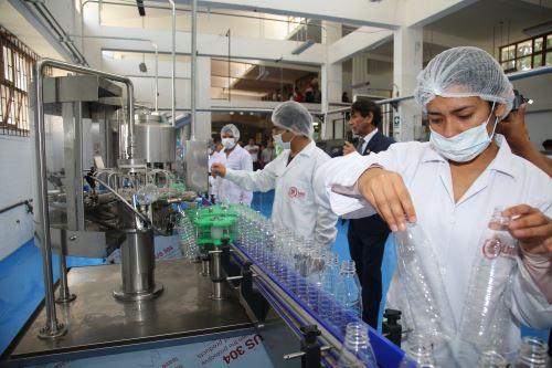 La purificación del agua en la Universidad Nacional del Santa estará a cargo de un equipo capacitado.