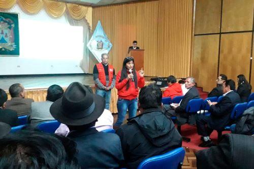 La viceministra de Gestión Ambiental del Minam, Lies Linares, participó en la octava sesión ordinaria de la 'Comisión multisectorial para la prevención y recuperación ambiental de la cuenca del lago Titicaca'.