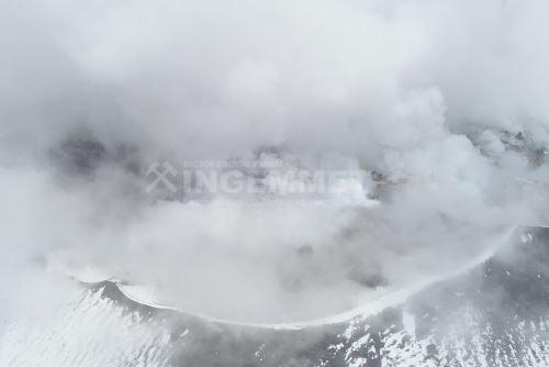 El sobrevuelo con dron permitió evidenciar que existe interacción directa entre el magma y el agua.