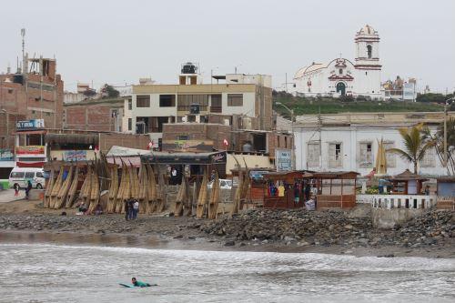 El balneario de Huanchaco es el segundo destino preferido por los turistas extranjeros que visitan la región La Libertad.