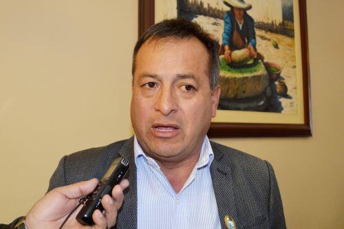 El alcalde de Hualgayoc, Marco Antonio Aguilar, señaló que se espera erradicar el analfabetismo en los próximos tres años.