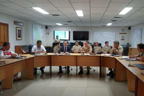 El director ejecutivo del Programa Nacional PAIS, Fredy Hinojosa, se reunió con oficiales de la Marina de Guerra y la Fuerza Aérea del Perú.
