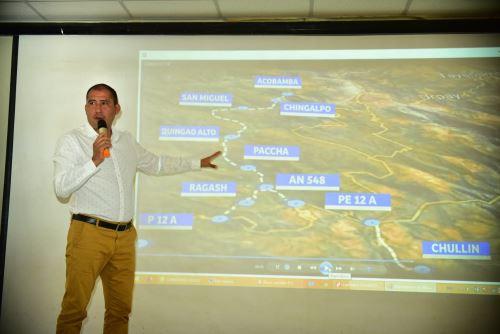 El gobernador regional de Áncash, Juan Carlos Morillo Ulloa, informó que se gestiona un préstamo ante CAF para asfaltar los cuatro corredores.