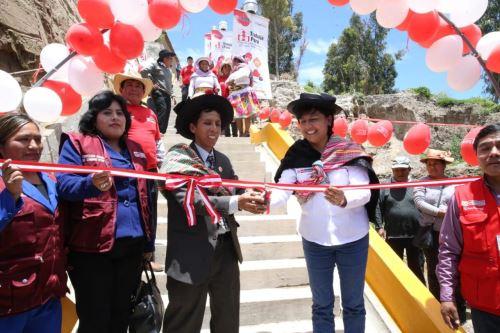 La ministra Sylvia Cáceres inauguró un proyecto de infraestructura en el distrito de Huayucachi, región Junín.