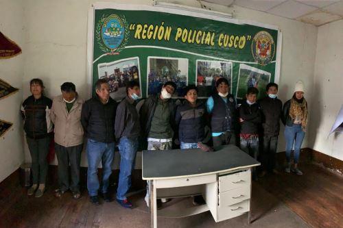 La Policía Nacional detuvo a 11 personas que estaban libando en una chichería, pese al estado de emergencia y aislamiento social.