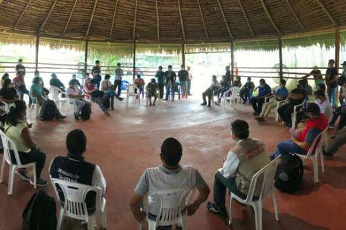 El ministro de Cultura, Alejandro Neyra, se reunió con autoridades de Loreto y comuneros indígenas.