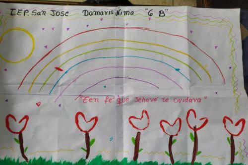 Además de las manualidades, los niños chimbotanos escribieron mensajes de aliento para pacientes covid-19 y personal de salud del Hospital La Caleta.