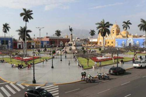Plaza de Armas de la ciudad de Trujillo, capital de la región La Libertad.