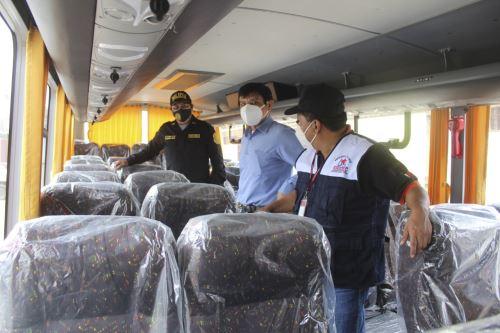 Ómnibus donado a la Policía Nacional está valorizado en 392,900 soles y tiene una capacidad para 34 pasajeros.