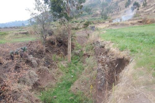 Los movimientos en masa en el sector Cuyo Grande pueden generar el represamiento de la quebrada Chahuay.