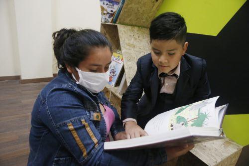 El motor del proyecto Quijote para la Vida es la promoción de la lectura y como estrategia se usa el cine, el teatro, la música.