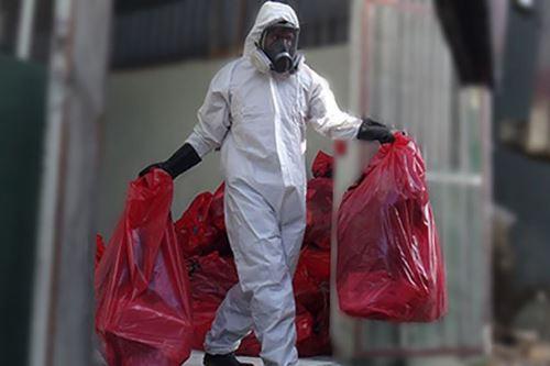 El color rojo debe ser utilizado para almacenar residuos sólidos peligrosos como pilas, lámparas y luminarias, medicinas vencidas, empaques de plaguicidas, entre otros.