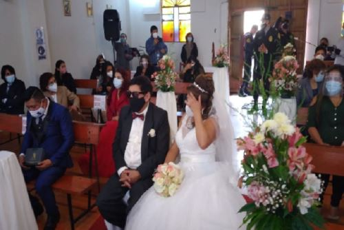 Covid-19: Policía interviene boda en capilla del Cusco por incumplir  restricciones | Noticias | Agencia Peruana de Noticias Andina