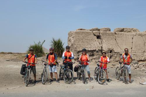 La organización cultural promueve el uso de la bicicleta como medio ecológico y saludable para conocer nuestro patrimonio.
