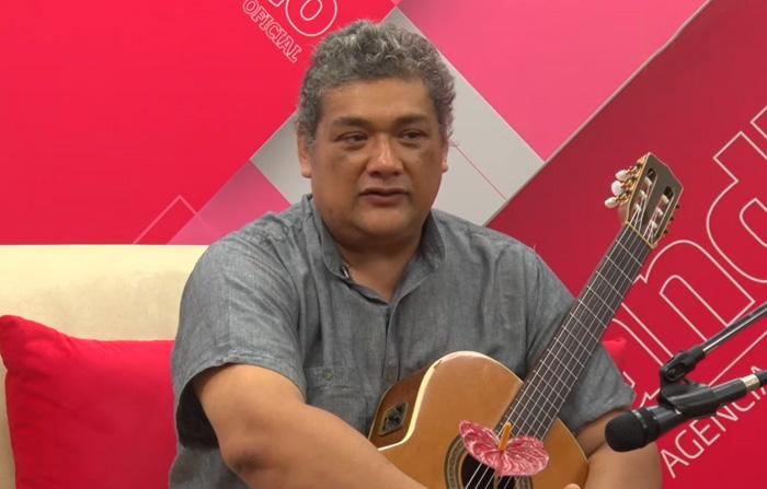 Entrevista al cantautor Javier Lazo