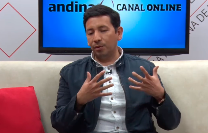 Música criolla en vivo con Carlos Castillo