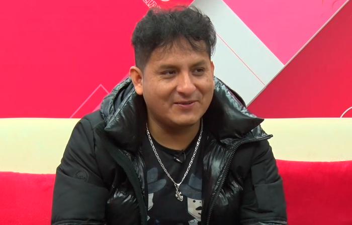 Entrevista a Max Castro, cantante ayacuchano, guitarrista y compositor