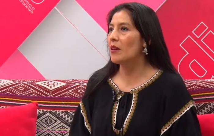Primera peruana que sustenta doctorado en Quechua