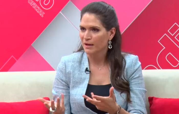 Entrevista a la periodista Lorena Álvarez