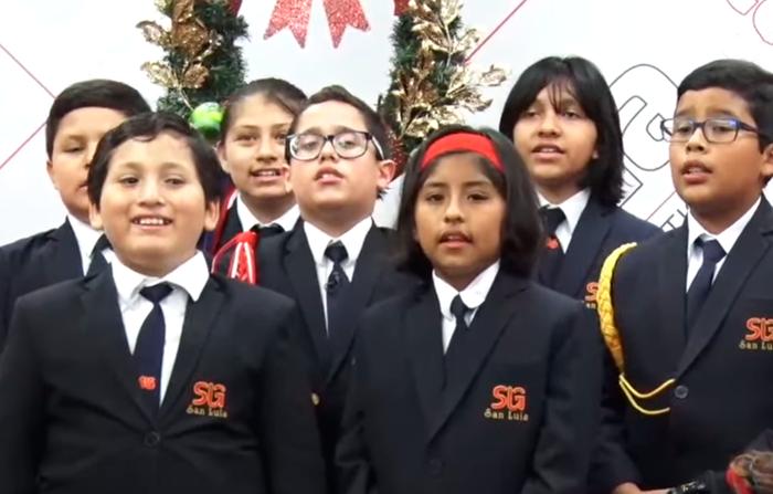 """Villancicos tradicionales y en quechua con el coro """"Grupo Educativo San Luis"""""""