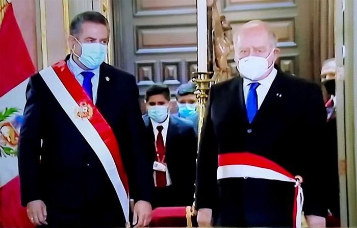 EN VIVO: Ántero Flores Aráoz jura como Presidente de Consejo de Ministros