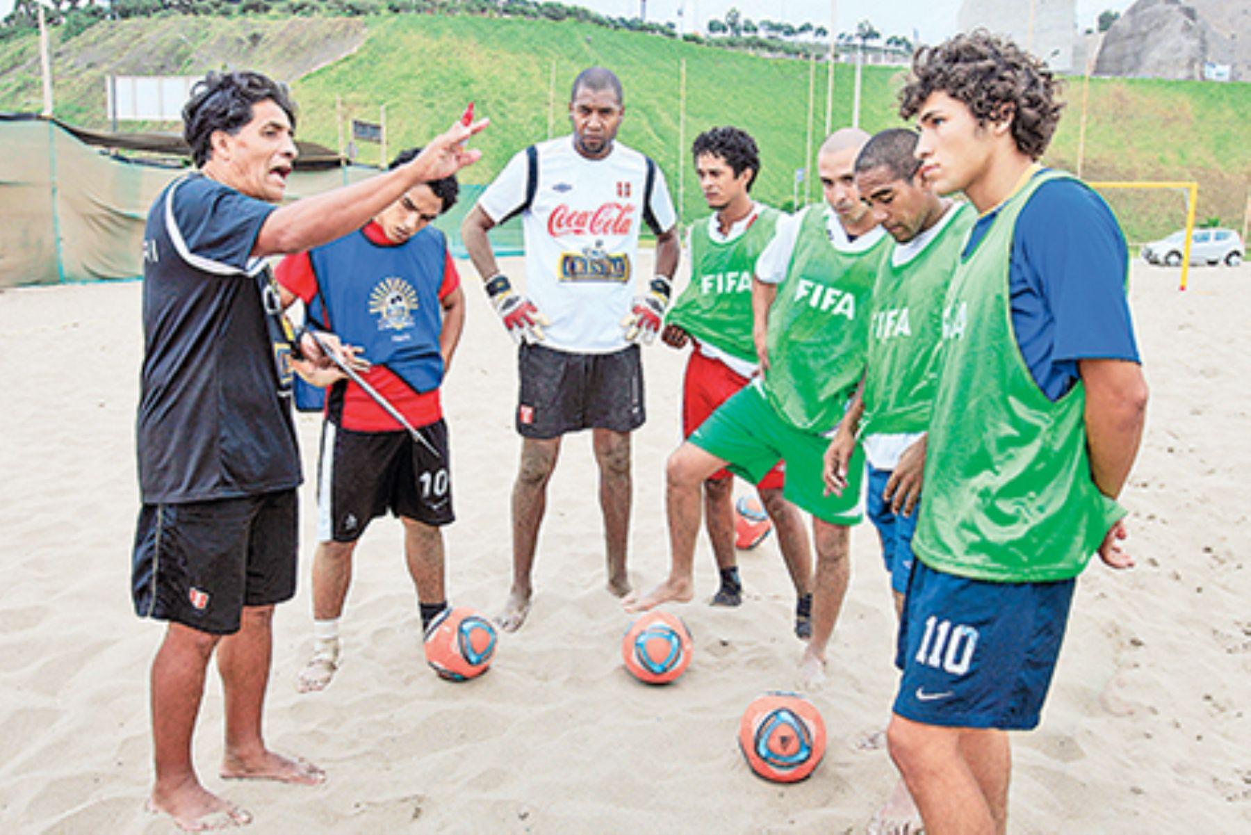 Selección de fútbol playa. Foto: DOP.