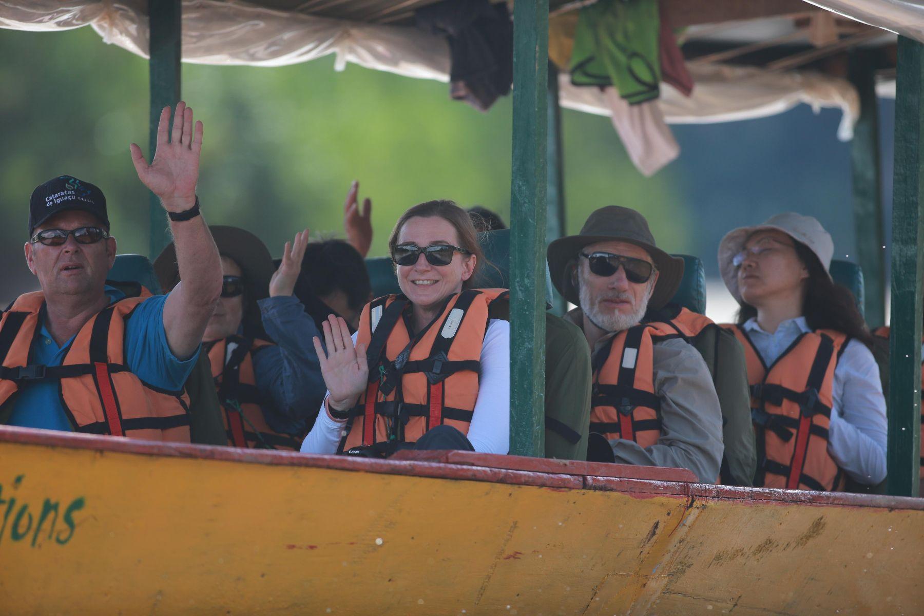 Turistas recorren la reserva natural del Manu, en Madre de Dios. Foto: ANDINA/archivo.