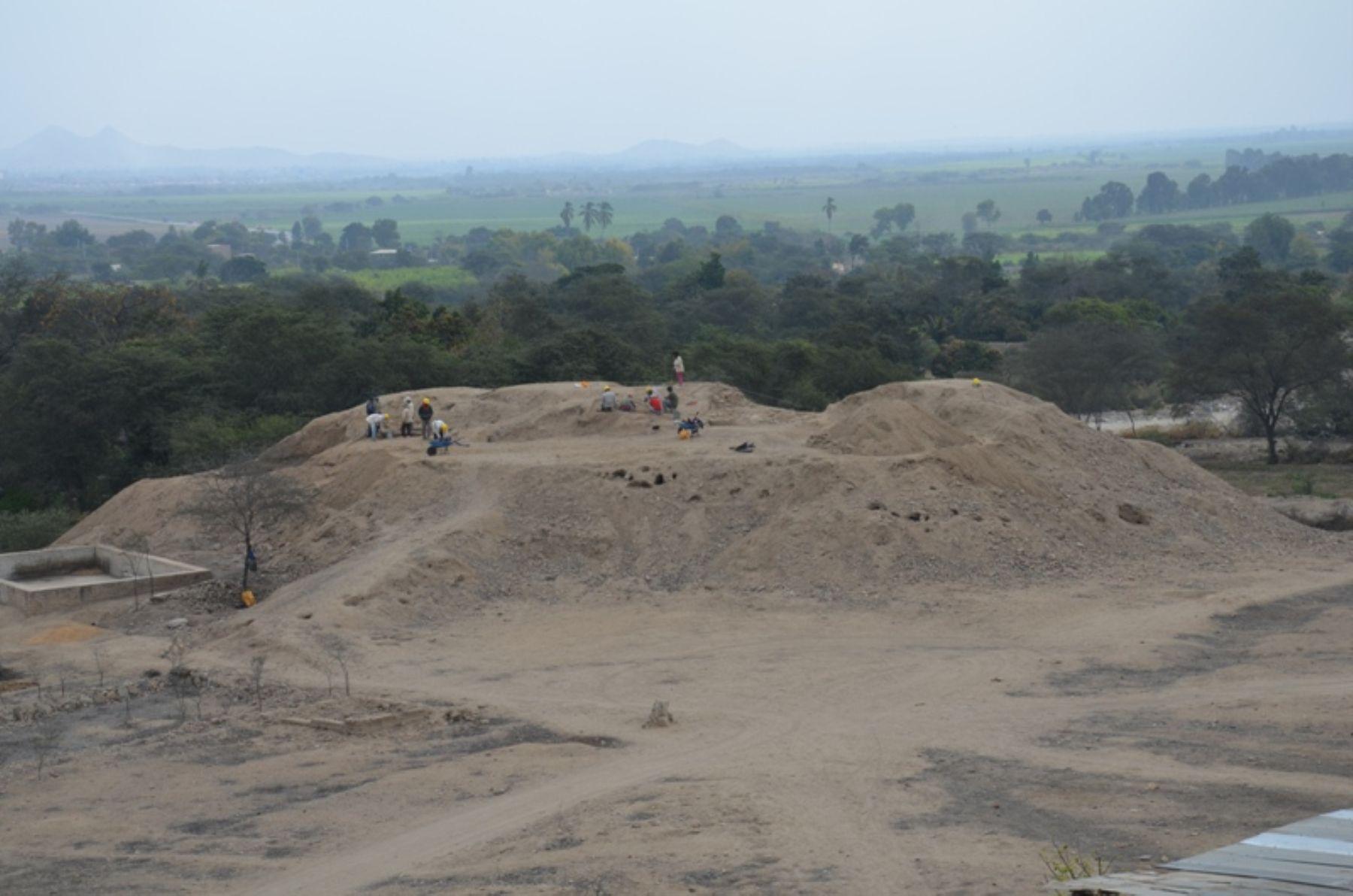 Investigadores buscan evidencias y hallazgos arqueológicos en complejo Cerro Pátapo.