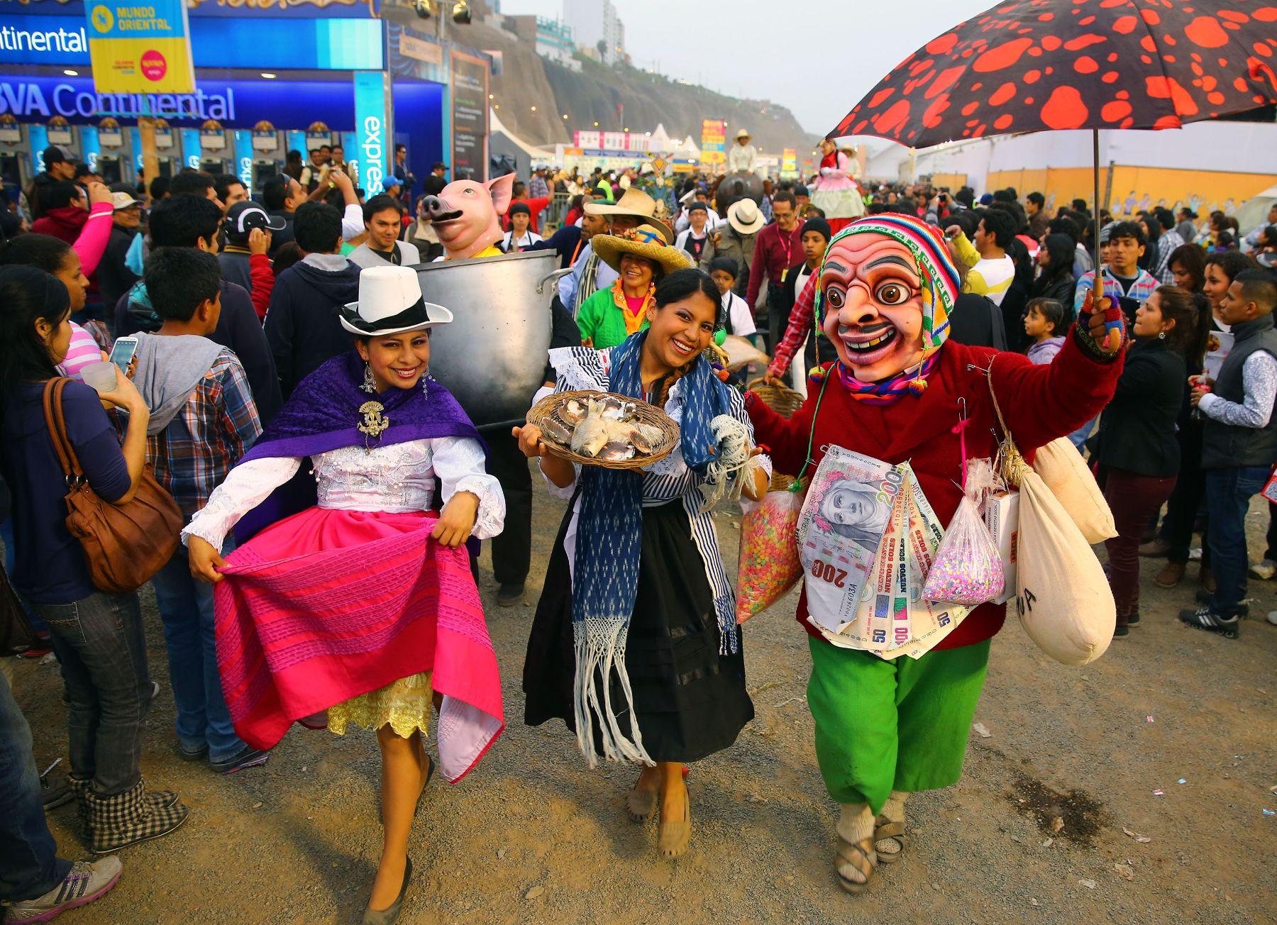 LIMA,PERÚ - SETIEMBRE 15. Último día de la Feria gastronómica Mistura 2013. Foto: ANDINA/Carlos Lezama