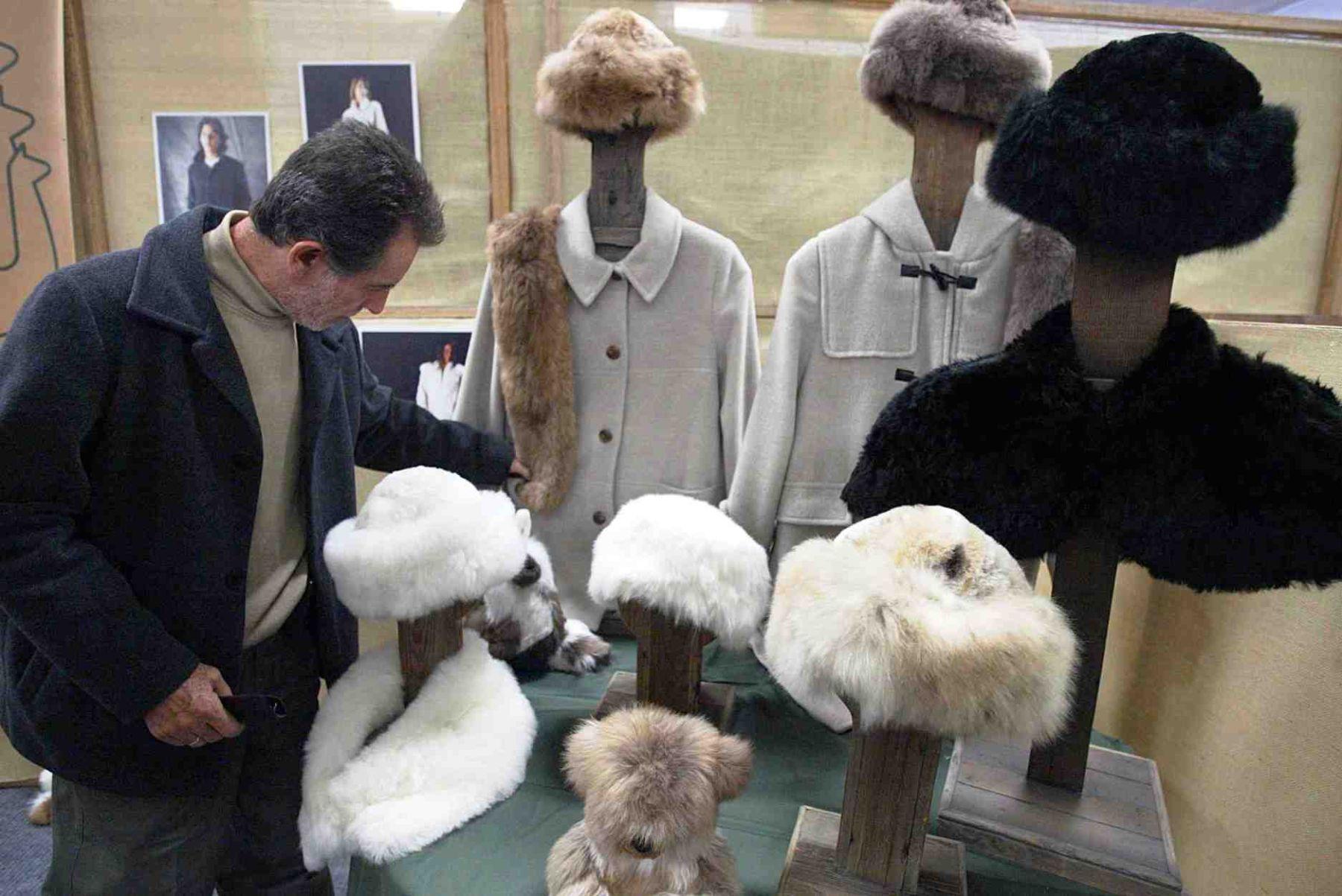Las prendas de alpaca tienen una gran demanda en los mercados del exterior.