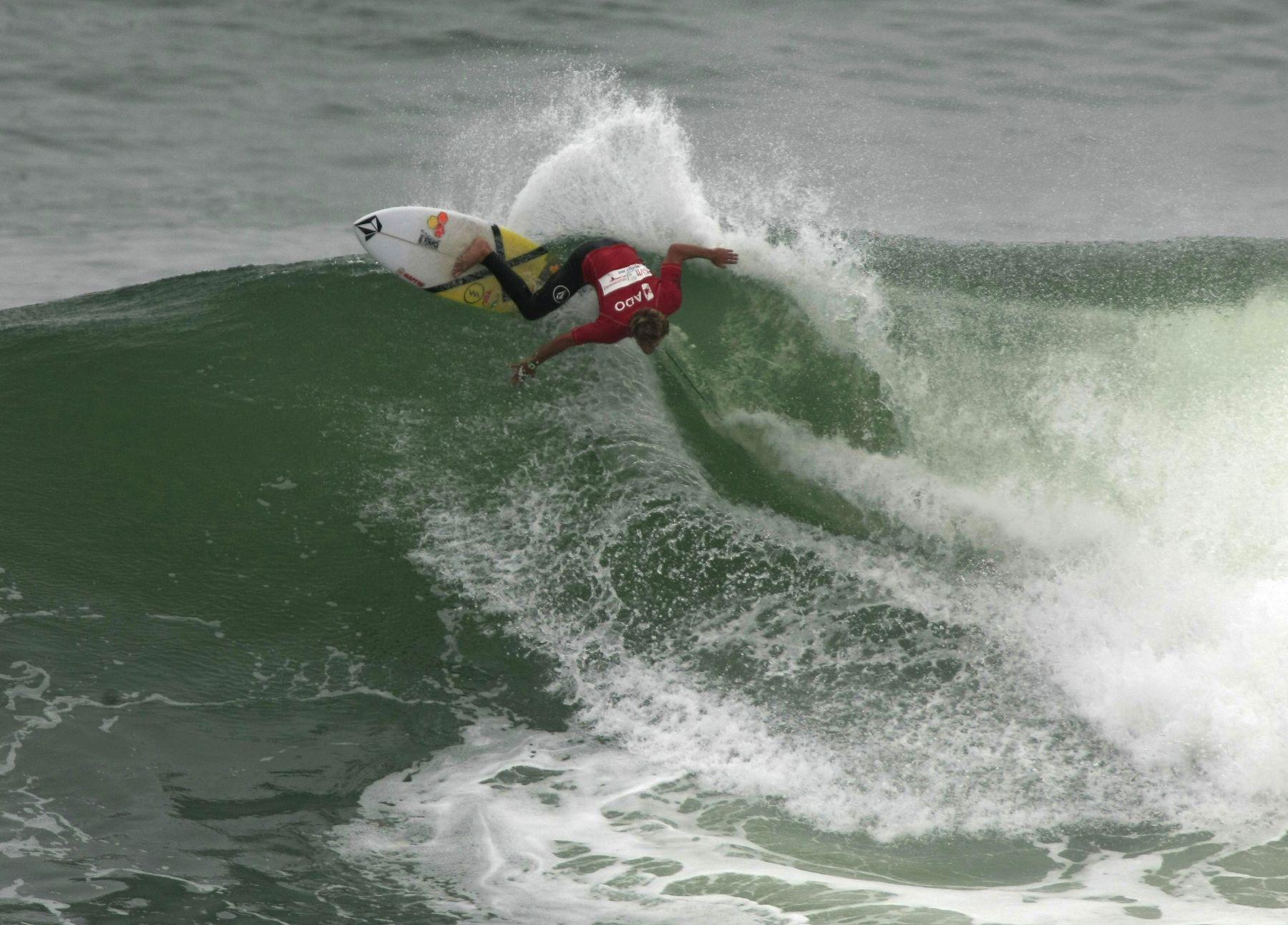Circuito Mundial De Surf : Miguel tudela se alista para el circuito mundial de surf en