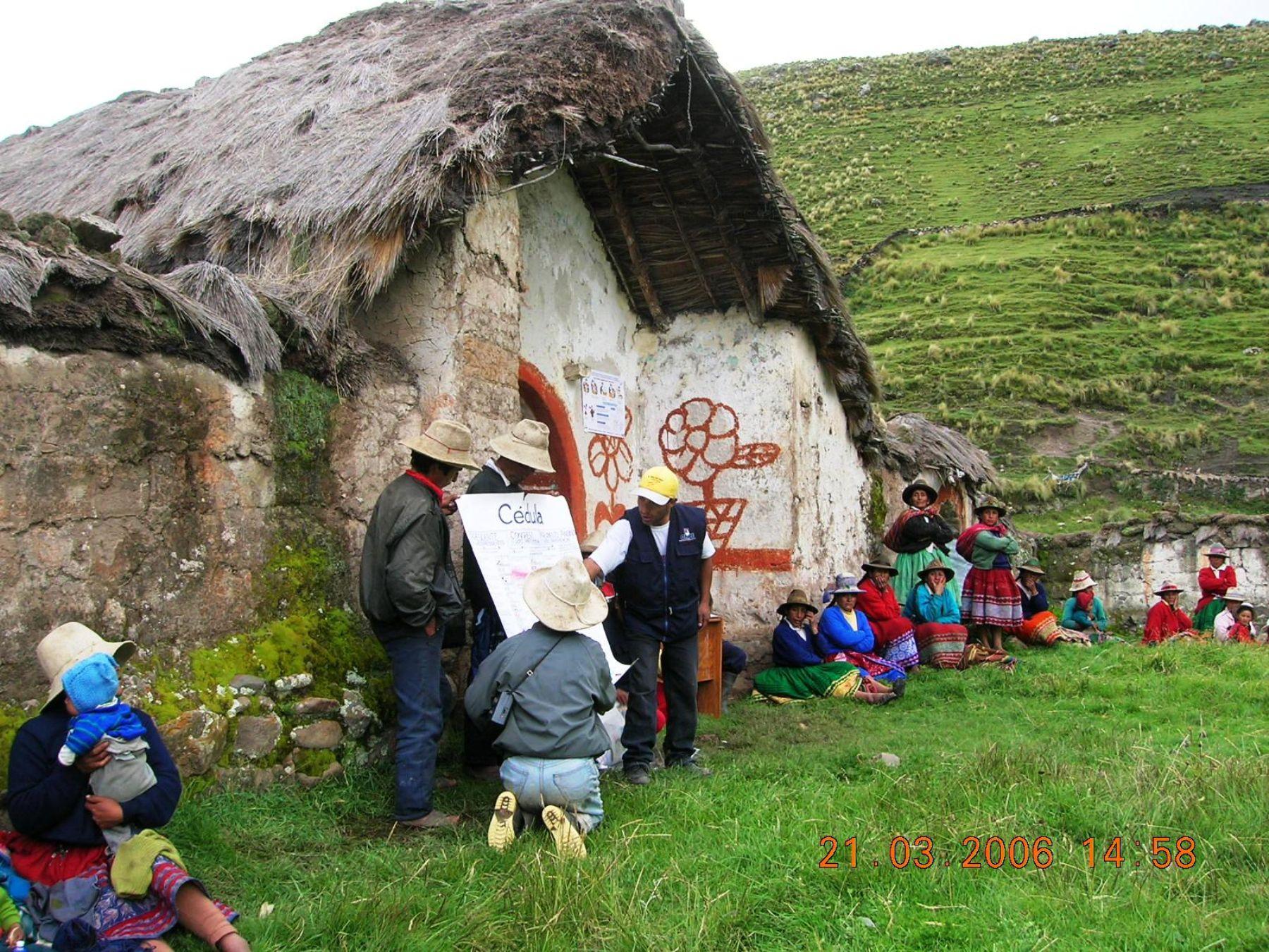 El Ministerio de Cultura y la ONPE tradujeron a diversas lenguas indígenas materiales informativos electorales para orientar a los electores. ANDINA/Archivo