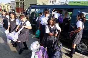 Exigirán que movilidad escolar que ofrece servicio a escolares de primaria cuenten con acompañante. ANDINA/archivo