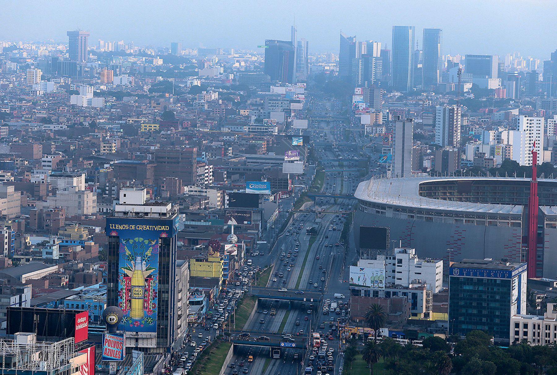 Panoramic view of the Peruvian capital Lima. Photo: ANDINA/Carlos Lezama
