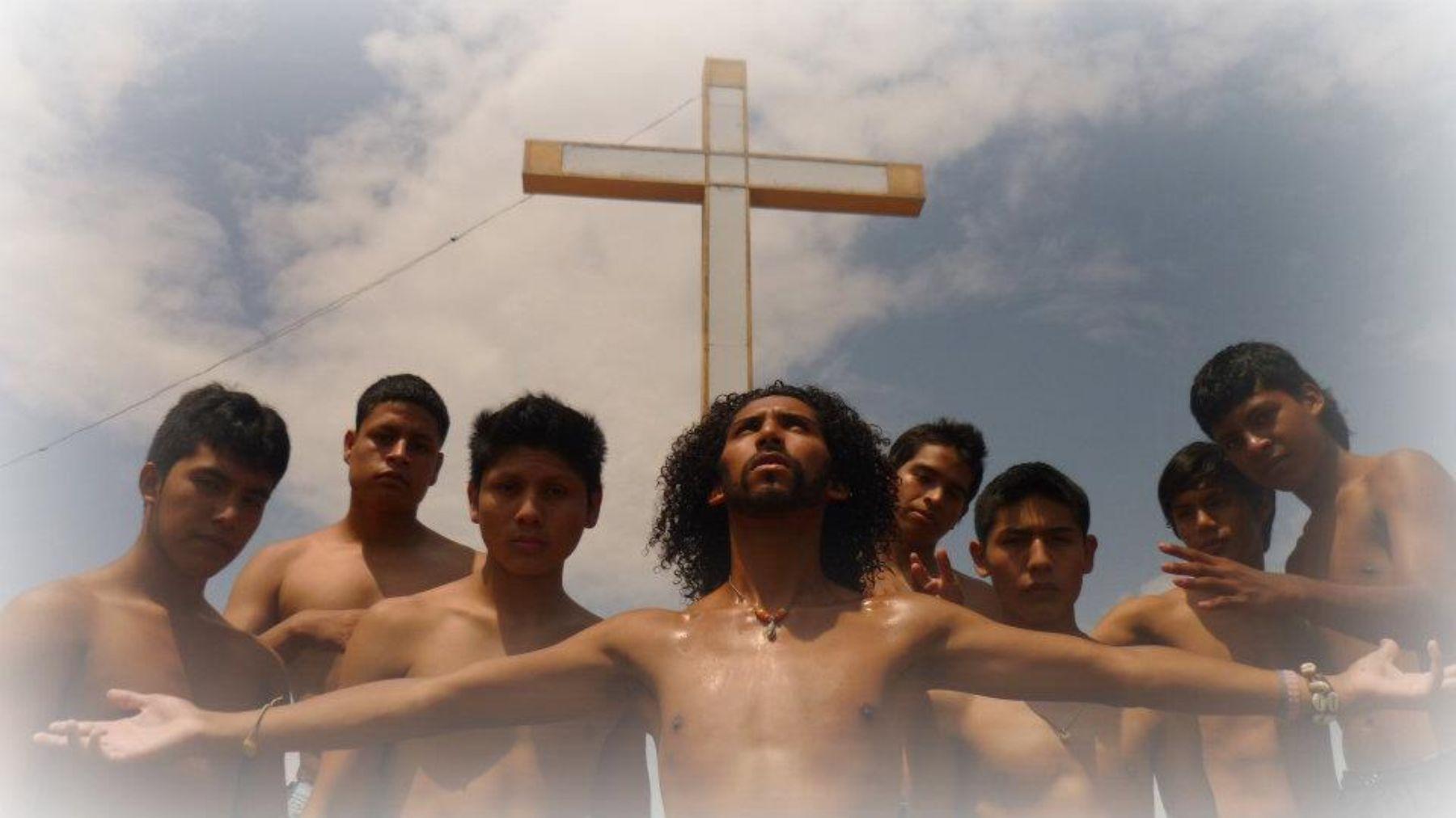 """Recrean """"la Pasión de Cristo"""" en el Centro Poblado Mi Perú"""