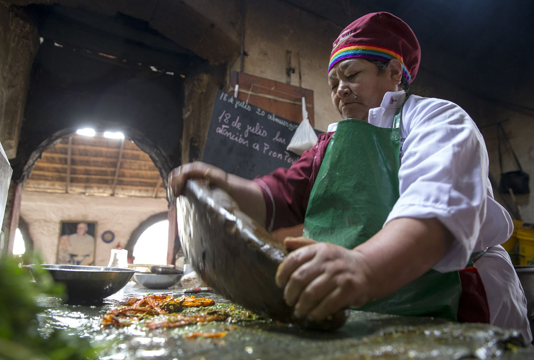 La gastronomía peruana, que conquista cada vez más paladares en el mundo, tiene su esencia en las cocinas regionales que conservan una sabiduría que recoge tradiciones ancestrales enriquecidas con el mestizaje cultural. ANDINA