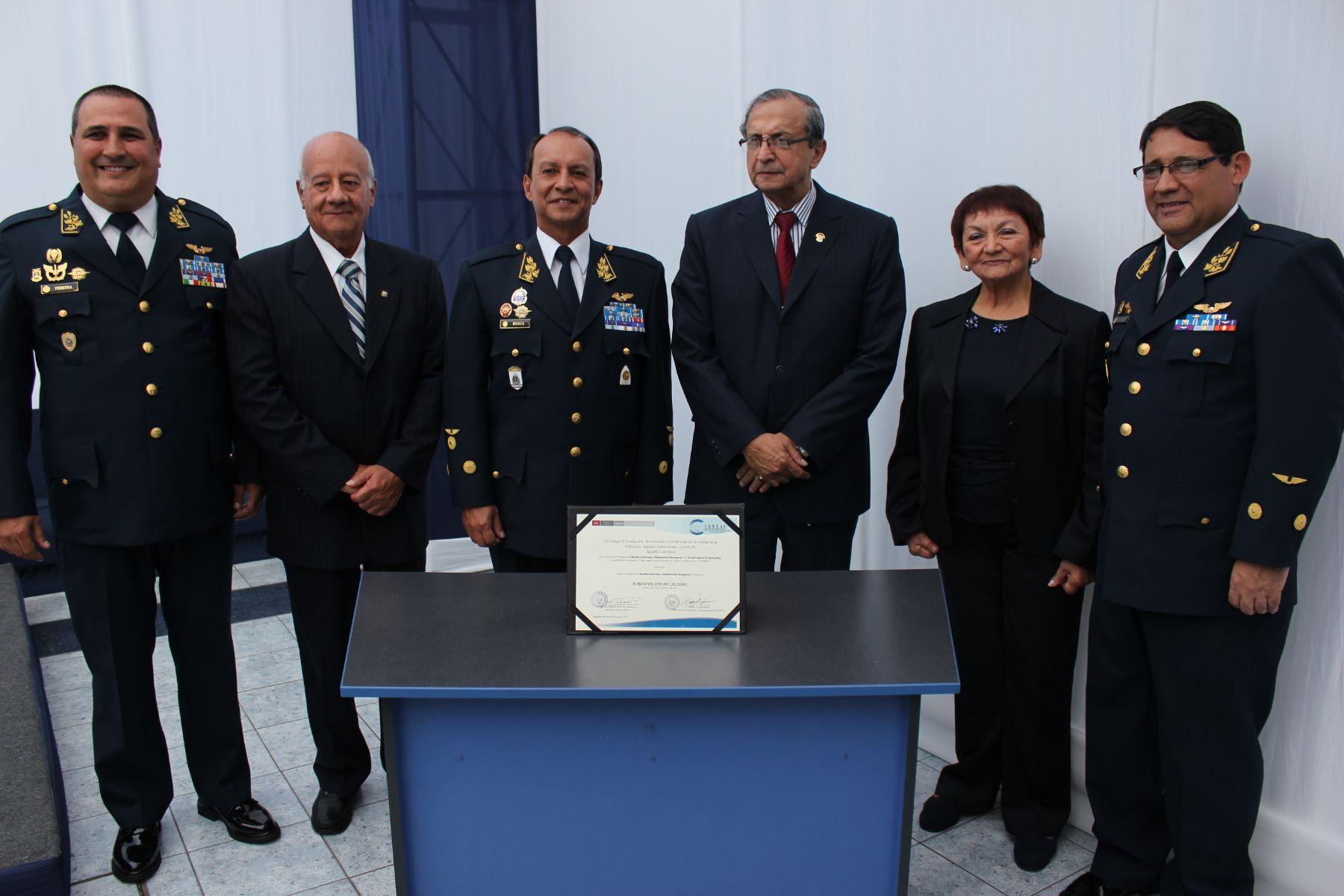 Acreditación de la Escuela Superior de Guerra Aérea.